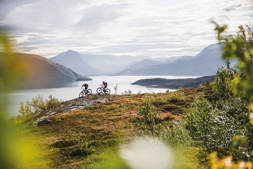 Nordisch by Nature – Mountainbiken am Lyngenfjord