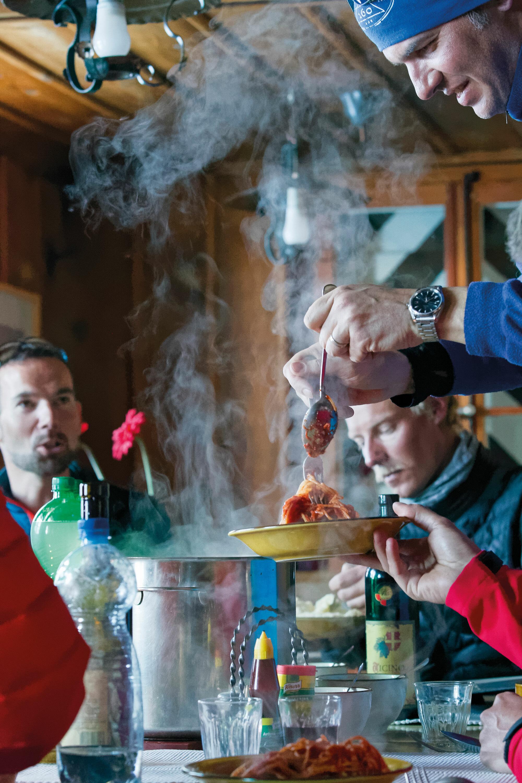 Skidurchquerung von Hütte zu Hütte – Die Urner Haute Route