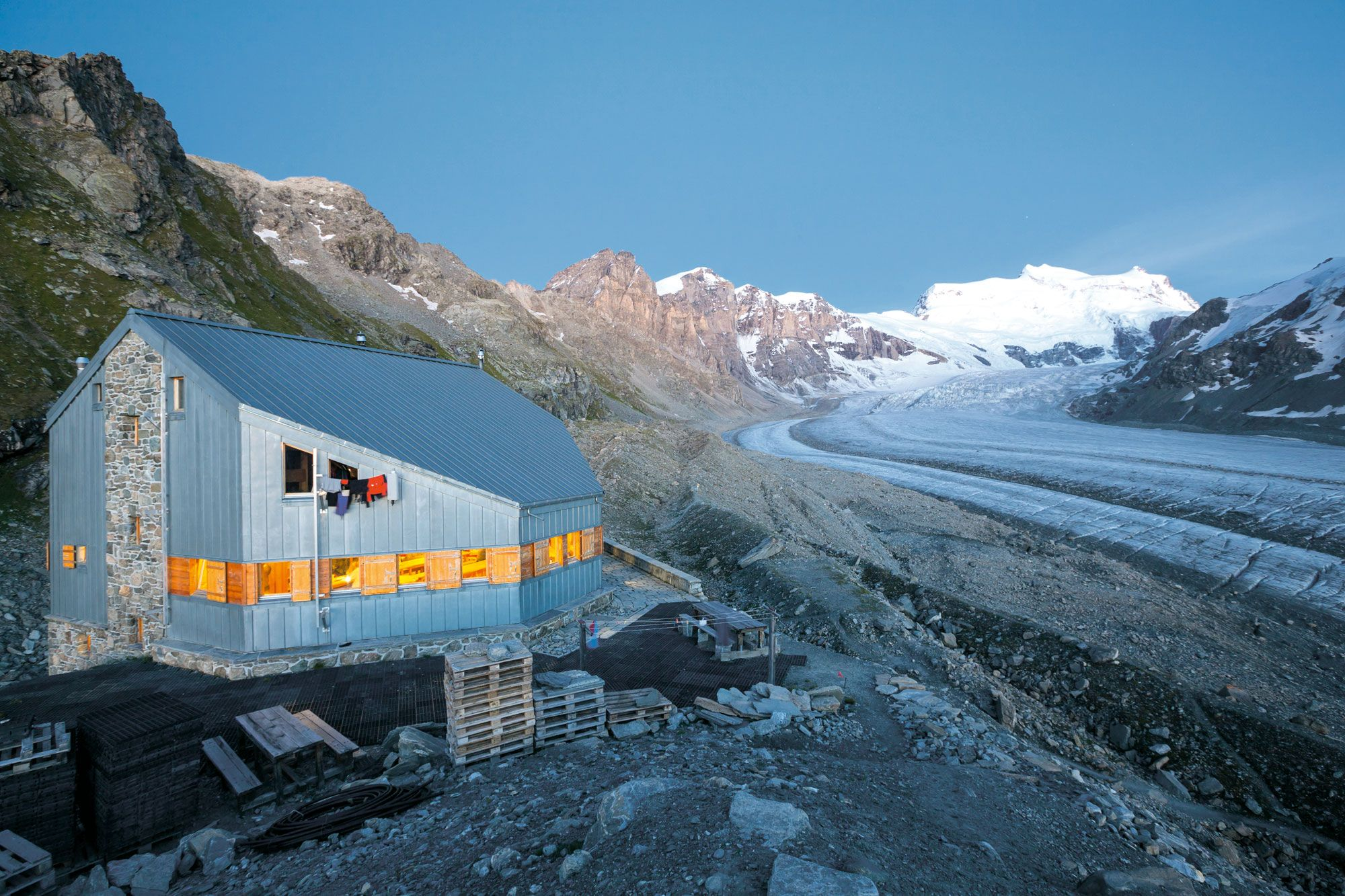 Kämpfende Kühe, wilde Gletscher – Val de Bagnes - Bergwandern im Wallis