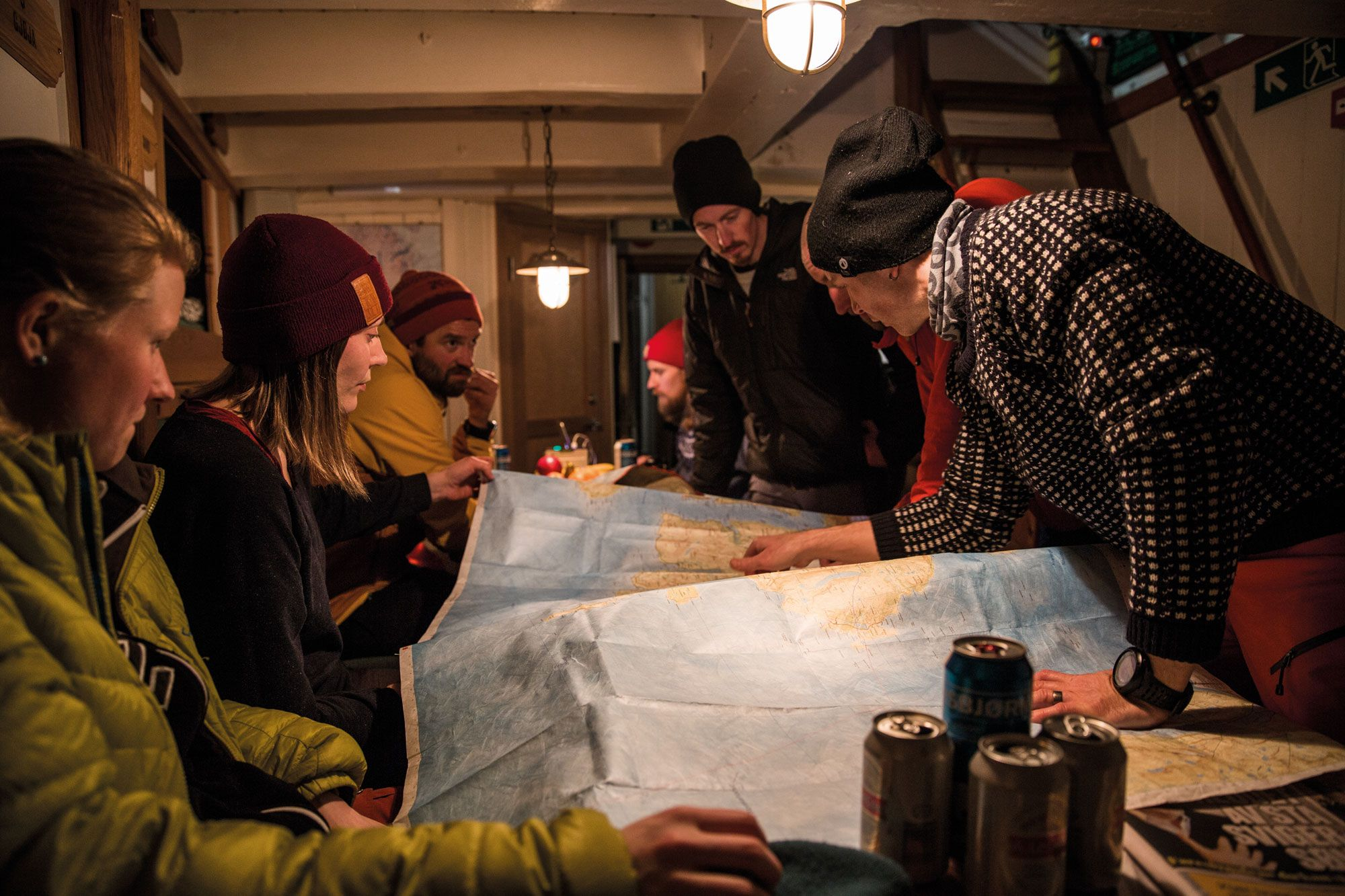 Steile Lines über dem Meer – Ski & Sail in Nordnorwegen