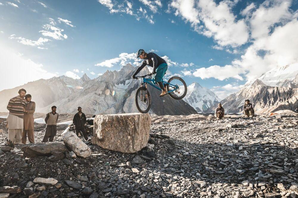 Sattelfest: Mountainbike-Abenteuer im Live-Vortrag